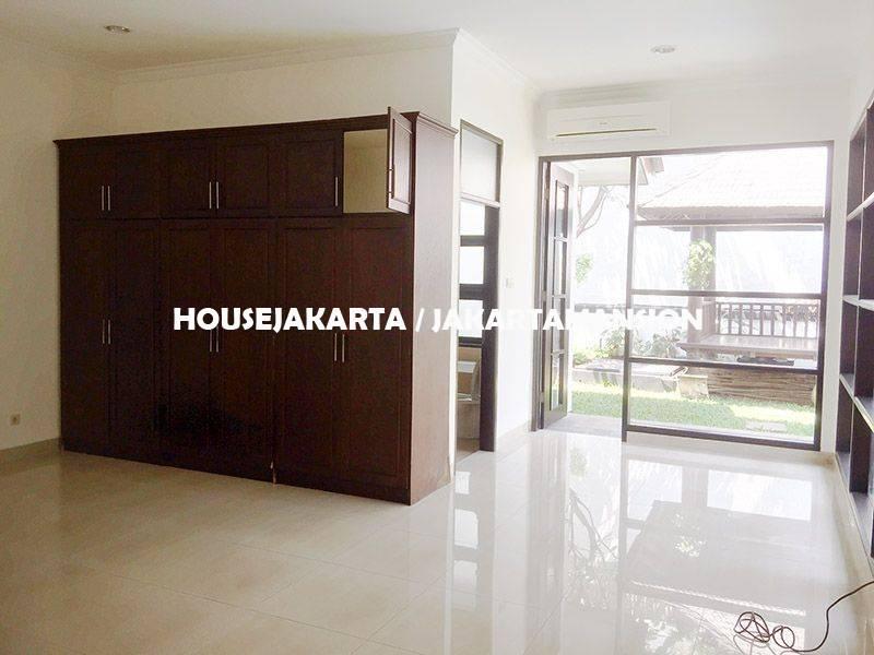 HR1147 House for Rent sewa lease at Bangka Kemang