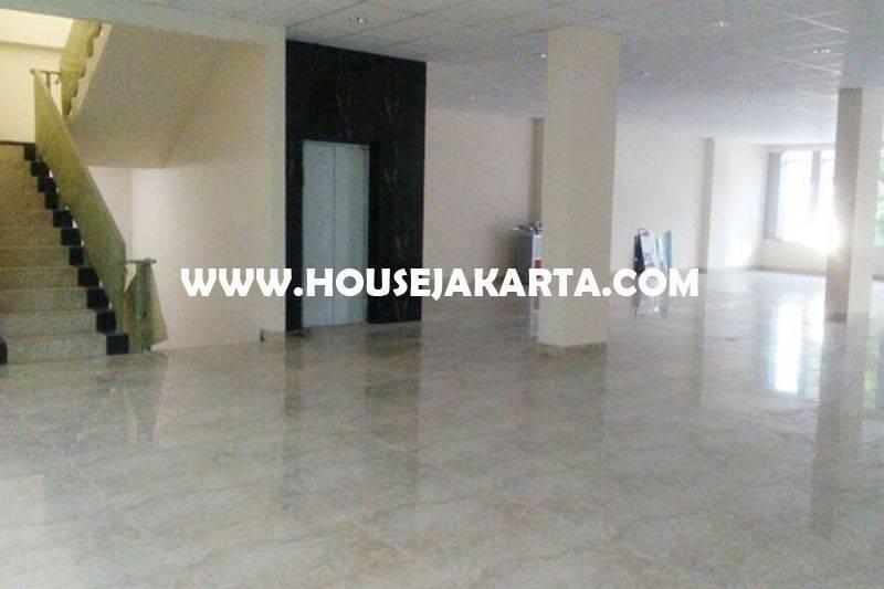 OS1223 Gedung Baru 5,5 Lantai daerah Guntur Kuningan dekat Menteng Sudirman Thamrin Dijual Murah 60 Milyar