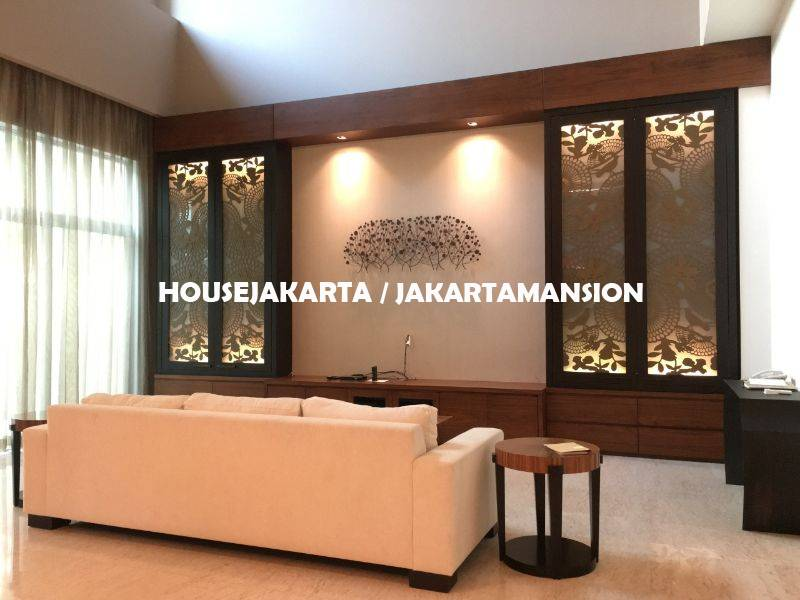 AR1297 Town House Pakubuwono Residence for rent sewa lease with Private Pool