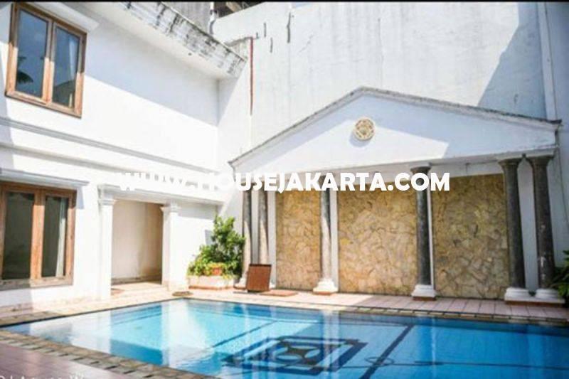 HS1301 Rumah Bagus 2 lantai Daerah Mega Kuningan Dijual Murah ada Basement dan Pool