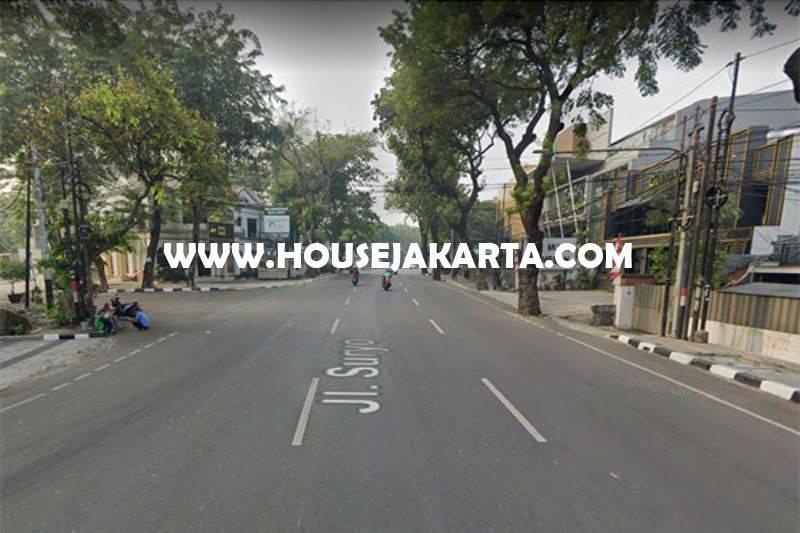 CS1352 Gedung komersial 3 lantai Jalan Suryo Raya Senopati Kebayoran Baru Dijual Murah dekat SCBD Sudirman