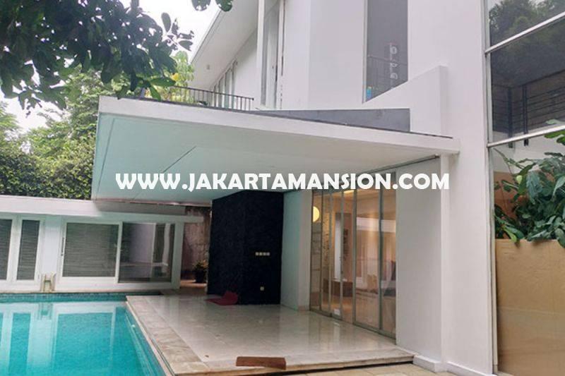 HS1395 Rumah Bagus 2,5 lantai ada Pool Daerah Senopati Kebayoran Baru dekat SCBD Sudirman Dijual Murah