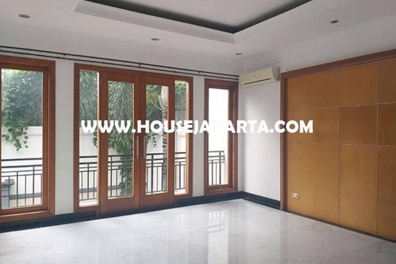 HS1456 Dijual Rumah Bagus 2 lantai Jalan Bondowoso Menteng Tanah Persegi dekat Taman
