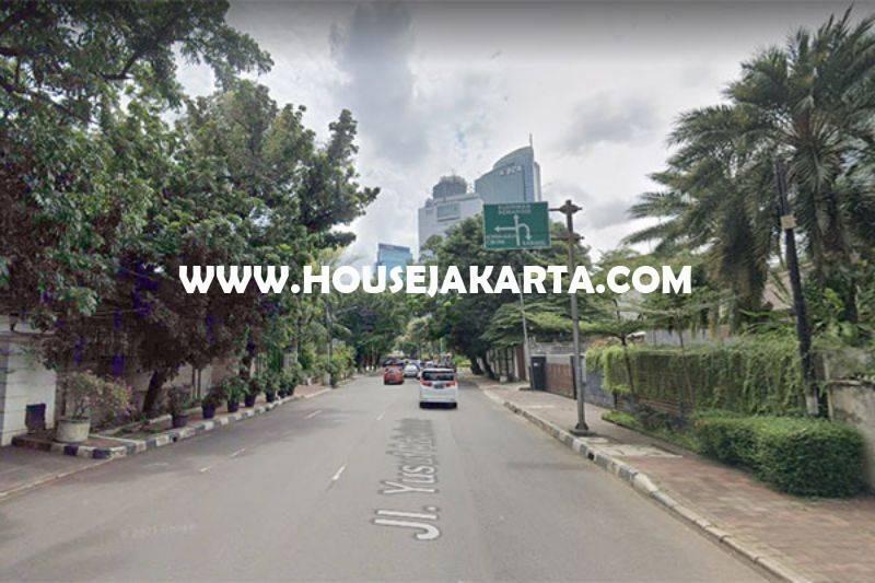 HS1466 Rumah lama Jalan Yusuf Adiwinata Menteng hitung Tanah luas 922m Dijual Murah