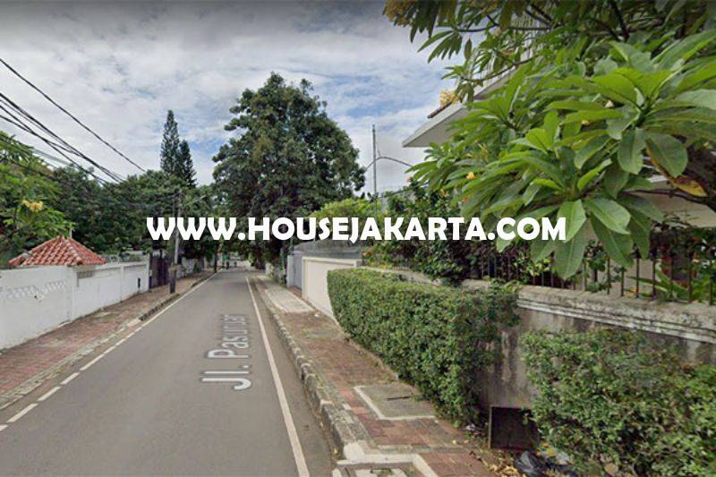 HS1510 Rumah 2 lantai jalan Pasuruan Menteng Dijual Murah hitung tanah 66 juta/m ada Pool