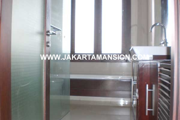 HR228 House at Senopati for rent