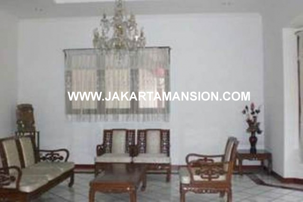 HR288 House at SENOPATI FOR RENT