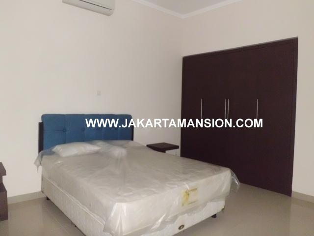 HR351 House For Rent at kemang
