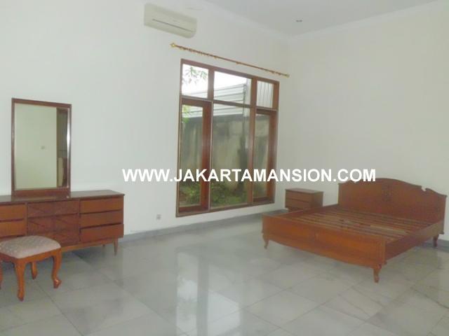 HR359 House for rent at kemang