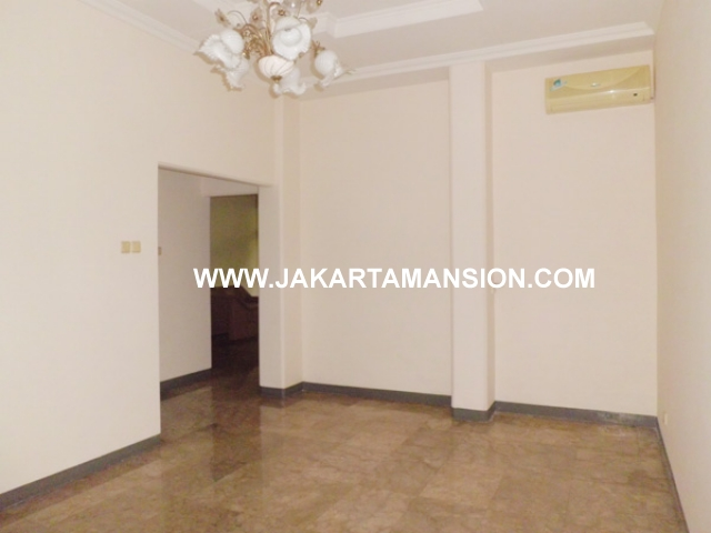 HR361 House for rent at Pondok Indah