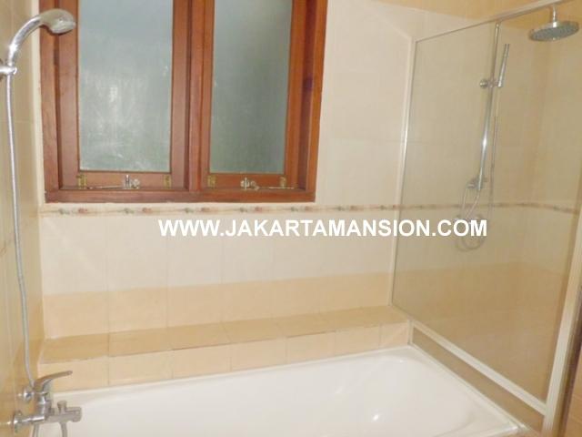 HR369 House for rent at patra kuningan