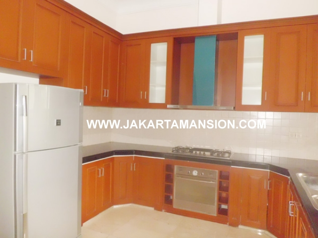 HR371 House for rent at Cipete