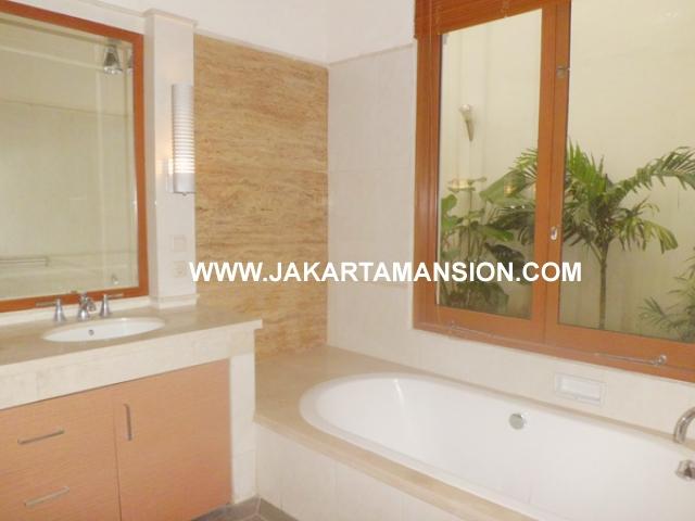 HR372 House for rent at Pondok Indah