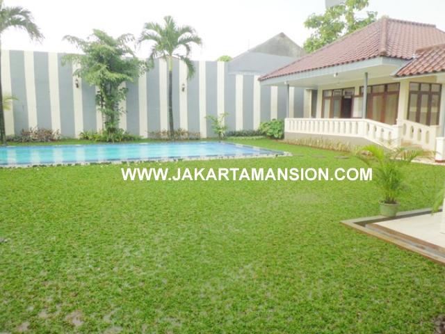 HR376 House for rent at kemang
