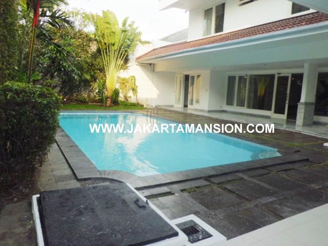 HR377 House for rent at Senayan Kebayoran Baru