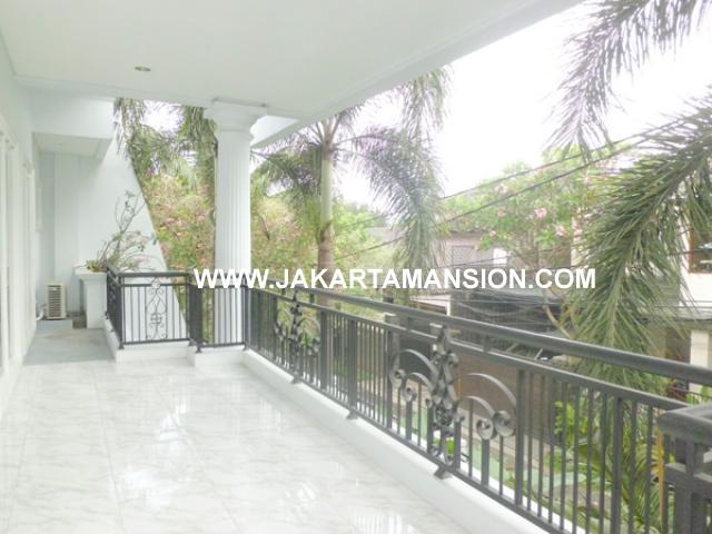HR378 House for rent at Senayan Kebayoran Baru