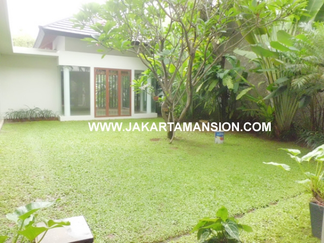 HR379 House for rent at kemang