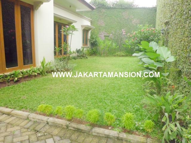 HR381 House for rent at kemang