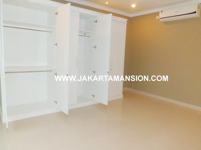 HR387 House for rent at kemang