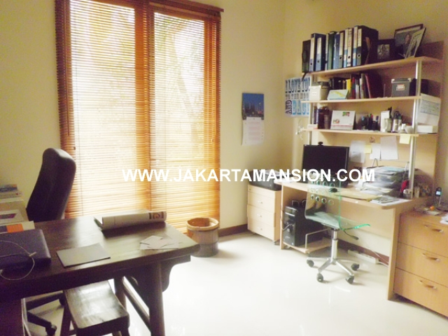 HR388 House for rent at kemang