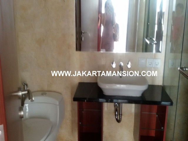 AR412 Essence Darmawangsa For Rent