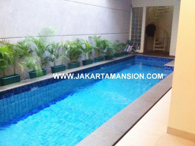 HR429 House for rent at Senopati Kebayoran Baru