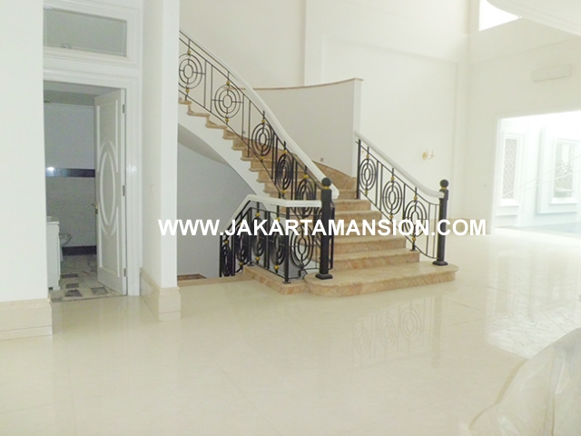 HR544 House for rent at Brawijaya Suitable to Embassy Close to kemang