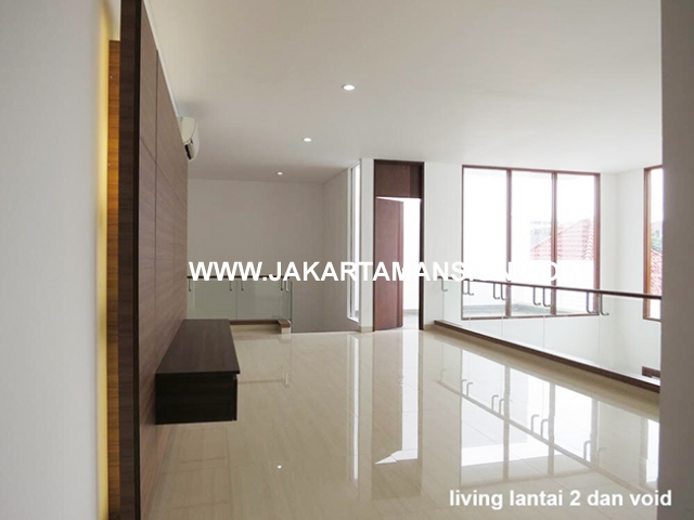 HR547 House for rent at Menteng Suitable to Embassy