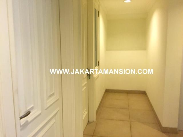 HR570 House for rent at Senayan Simprug