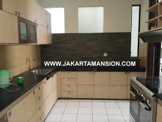 HR585 House for rent at senopati kebayoran baru