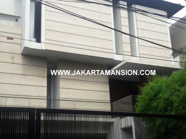 HS682 Rumah bagus daerah brawijaya dharmawangsa kebayoran baru dijual murah