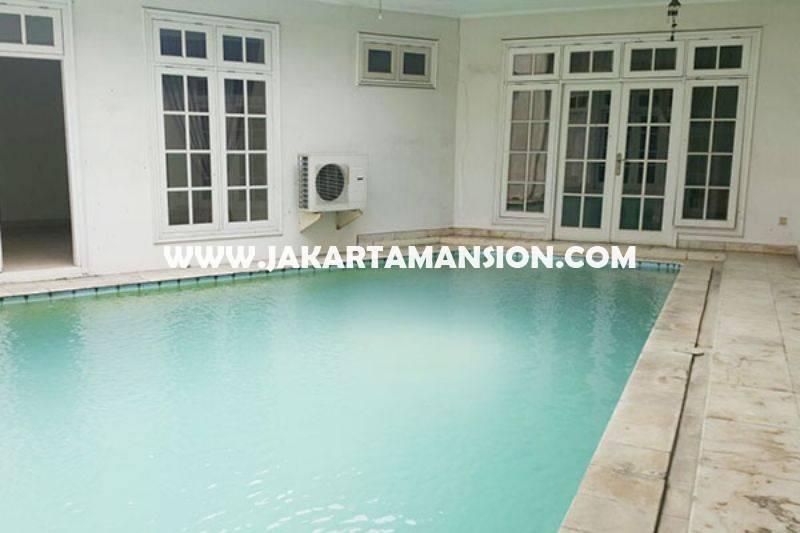 HS706 Rumah Jalan Cemara Senopati Kebayoran Baru Dijual Murah ada Pool