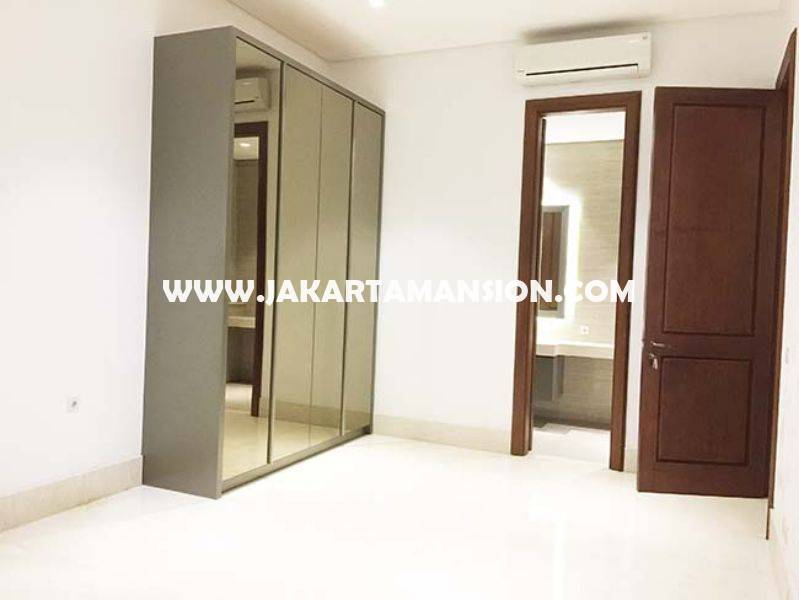 HR746 House for rent at Brawijaya