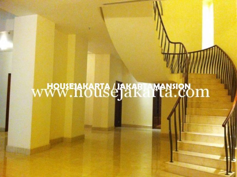 AS823 Penthouse Apartement Pakubuwono Residence Dijual Murah Lux Furnished 2 lantai