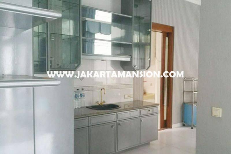 HS828 Rumah Jalan Dharmawangsa dekat Brawijaya Kebayoran Baru Dijual Murah ada Pool
