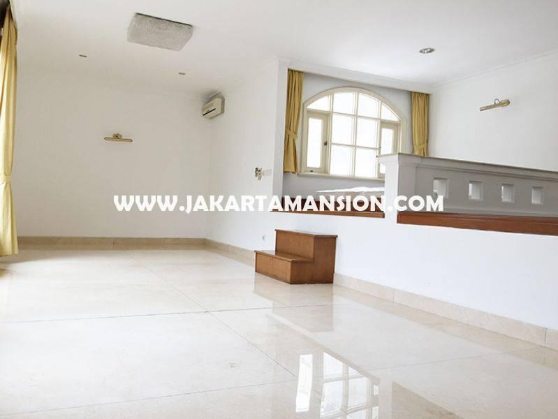 HR852 House for rent at at senopati (Kebayoran Baru) nice and save area, Close to SCBD ( sudirman central business district )