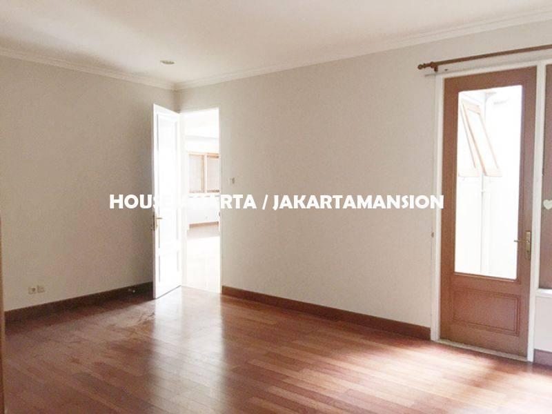 HR956 House for rent sewa lease at Pondok Indah